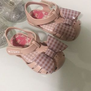 Shoes - Cute Baby shoes pink are Zaxy Nina